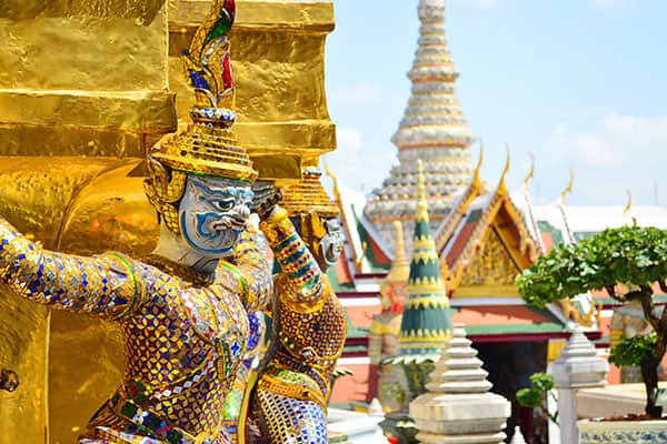 Cruise to Golden Pagodas in Thailand